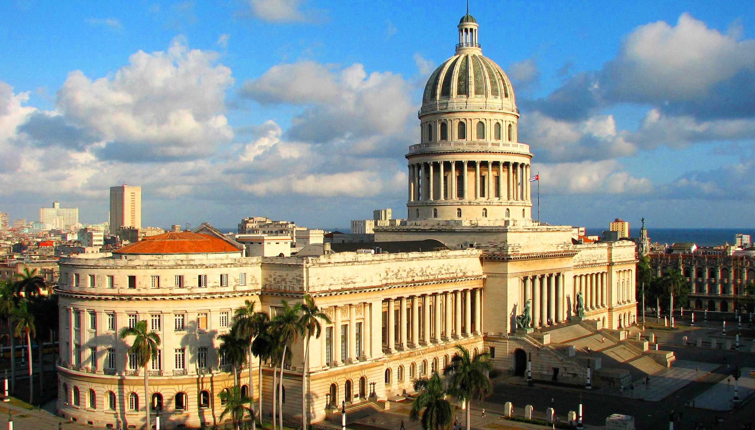 På en reise til Cuba ser du både Havana og skøn natur